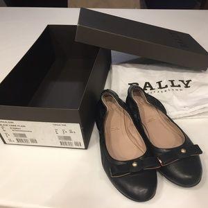 Bally Toraja Black Lambskin Ballet Flats (size 5)